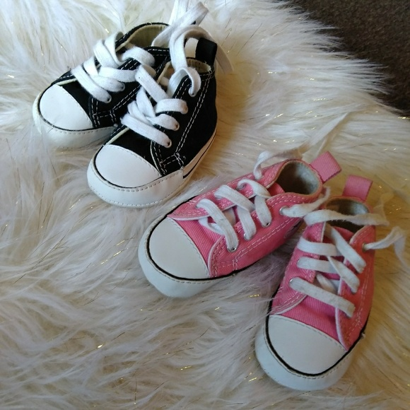 f077f85fdbc3a6 2 Pairs of 0-3 Baby Converse Size 1